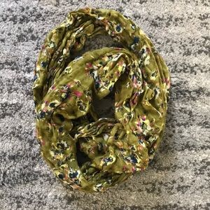 Infinity Scarf - Urban Outfitters